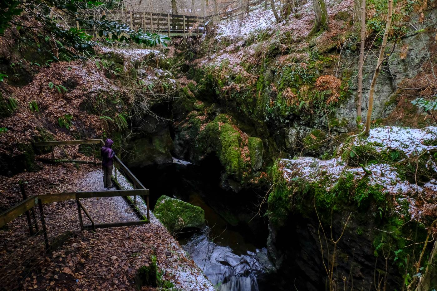 Rumbling Bridge Gorge and Crook of Devon (Walkhighlands)
