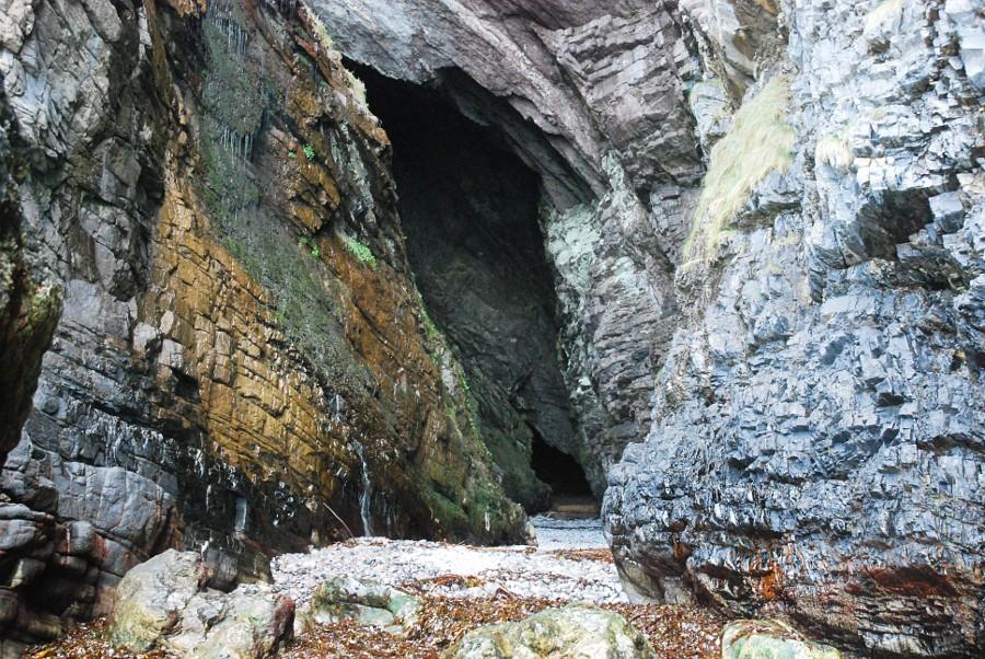 MacKinnon's Cave, near Gribun (Walkhighlands)