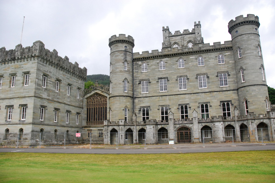 Taymouth Castle And Kenmore Walkhighlands